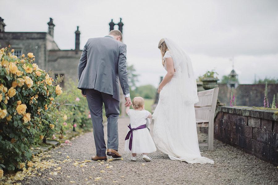 Tissington Hall wedding photography | Peak District wedding photography | Derbyshire natural wedding photography | Beautiful old manor house Peak District wedding venue | Rainy day wedding | Sasha Lee Photography