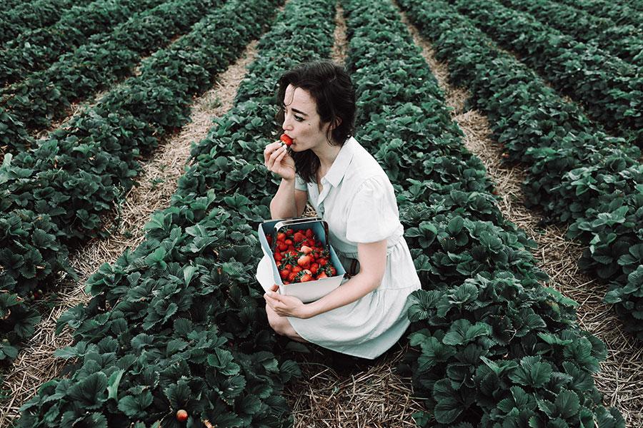 Fun Engagement Shoot Ideas | Strawberry picking