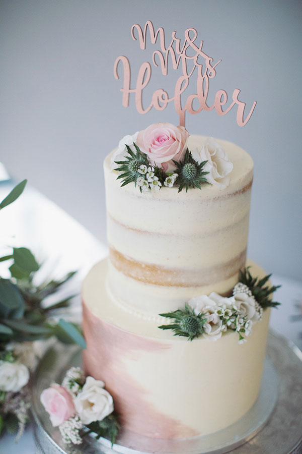 Alternative wedding cake ideas | Alternative wedding cake inspo inspiration | Pink and cream cake