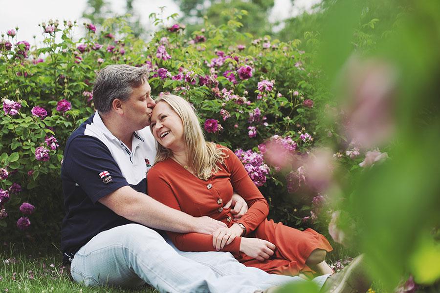 Sheffield Botanical Gardens couple photoshoot