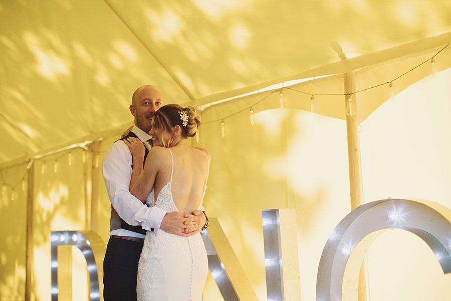 Emma & Richard ♡ The White Hart Inn Wedding, Derbyshire