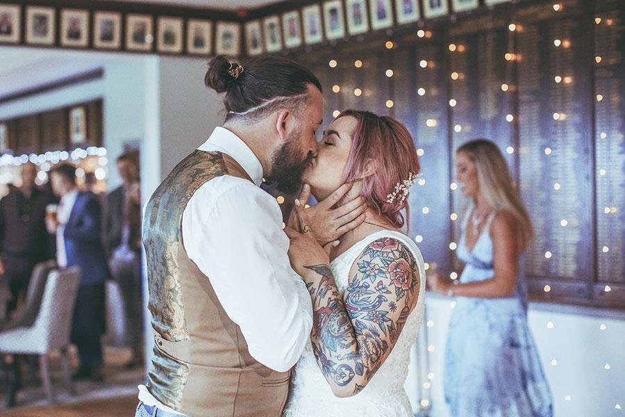 Tankersley Park Golf Club wedding photography | Natural Yorkshire wedding photography | Sheffield wedding photographer |